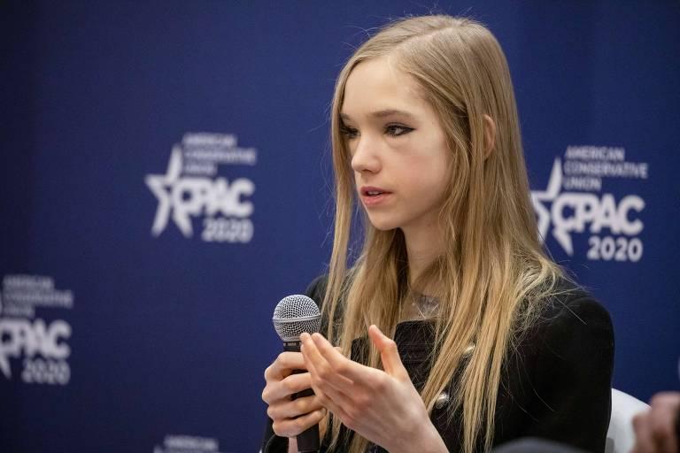 A alemã Naomi Seibt, 19, em evento da direita americana nos EUA