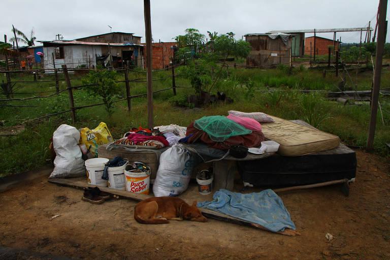 PM faz reintegração de posse em terreno em Manaus