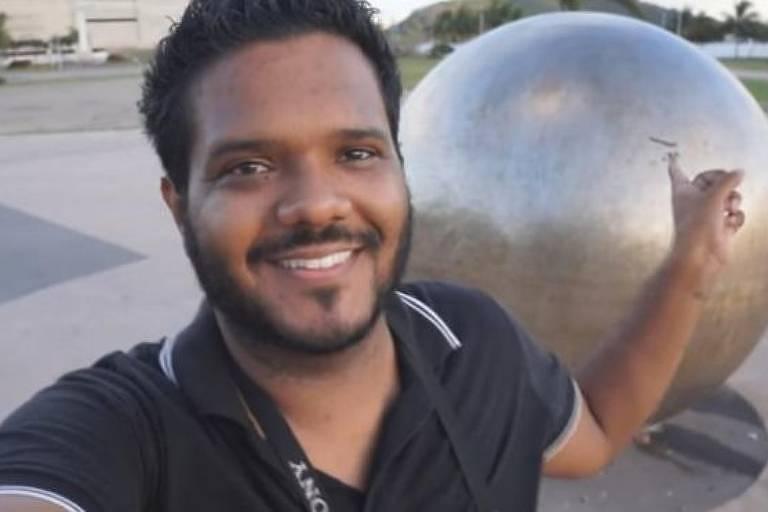 O músico capixaba Eduardo Dias, de 32 anos, que acreditava que a Terra era plana e passou a combater a falsa teoria