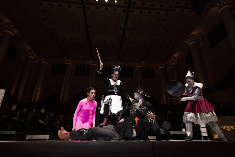 Cena do concerto 'Farra nas Estrelas', da série Aprendiz de Maestro, do Tucca