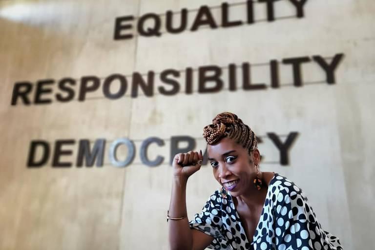 Rebecca Alethéia está há mais de 1 ano vivendo na África, onde trabalhou em ONGs e hostels