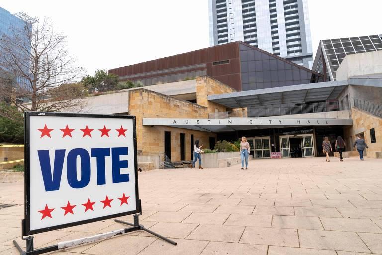 Austin City Hall, local de votação da primária democrata em Austin, Texas
