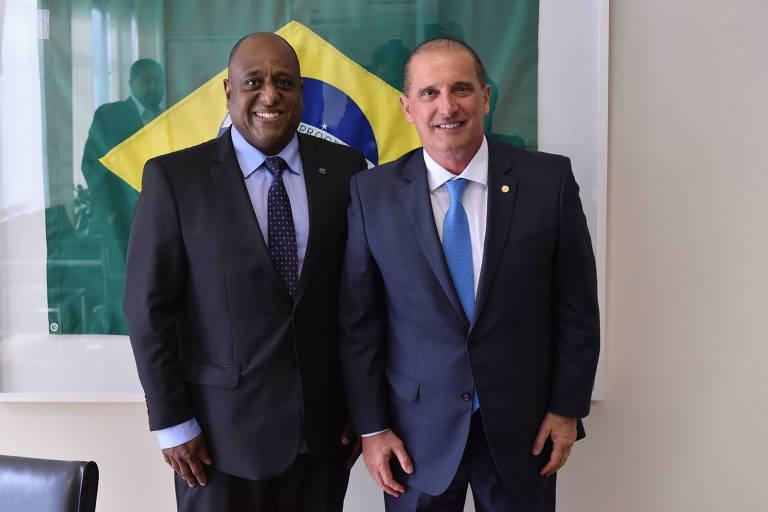 O secretário especial do esporte, Marcelo Magalhães (à esquerda), ao lado do ministro da Cidadania, Onyx Lorenzoni