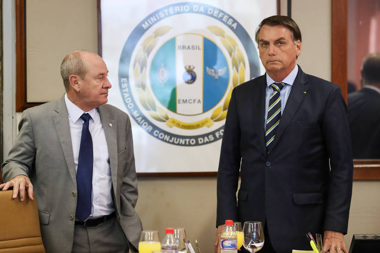 Presidente Jair Bolsonaro em reunião com Fernando Azevedo, Ministro de Estado da Defesa
