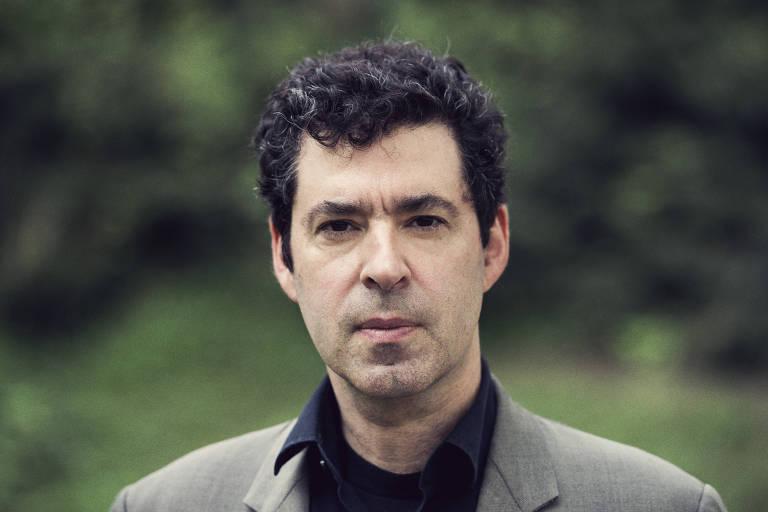 """O filósofo americano Jason Stanley, professor de Yale e autor de """"Como Funciona o Fascismo"""""""