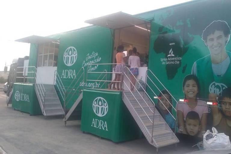 Carreta que atuou em Brumadinho chega em Guarujá para apoiar vítimas da chuva