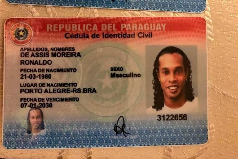 Célula de identidade produzida para Ronaldinho