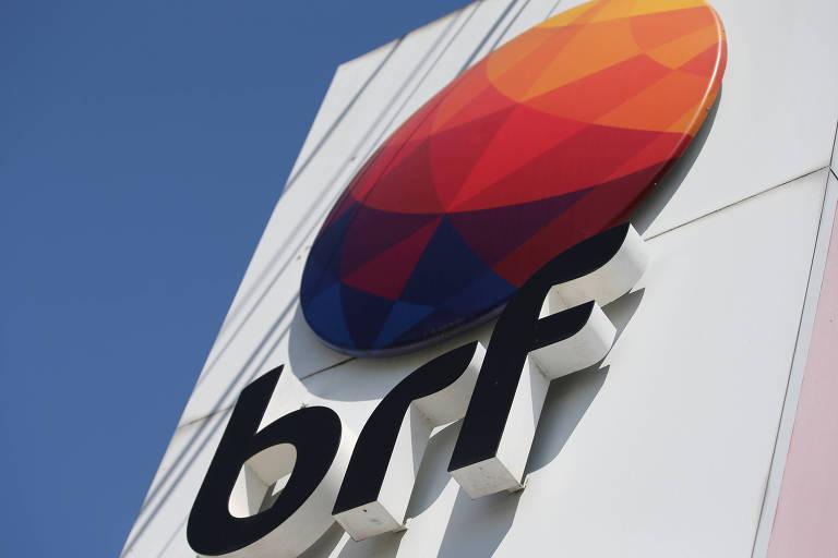 Logotipo da BRF em sede da empresa em Curitiba