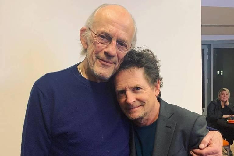 """Christopher Lloyd (à esq..) e Michael J. Fox, atores do filme """"De Volta Para o Futuro"""" (1985)"""