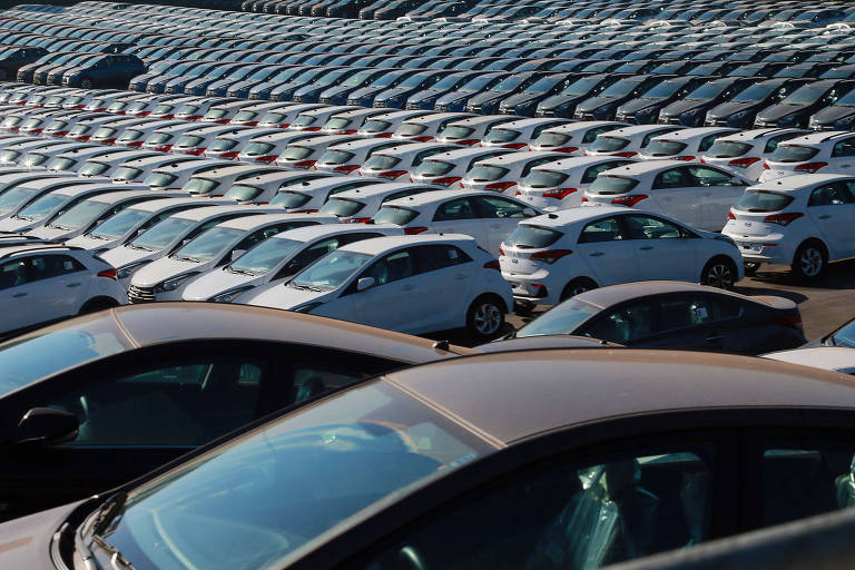 Fenabrave revê previsões e diz que faltaram 200 mil carros no primeiro semestre