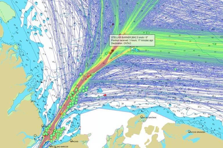 Mapa de calor que mostra caminhos de navios, inclusive da embarcação Stellar Banner, encalhada no Nordeste