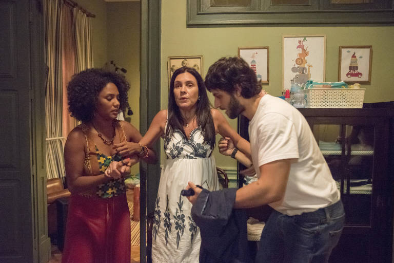 Cenas da novela 'Amor de Mãe'