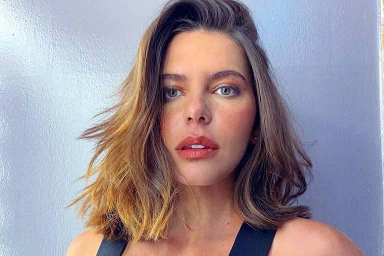 Mariana Goldfarb diz que superou pressão por beleza: 'não adianta me retalhar para ser outra pessoa'