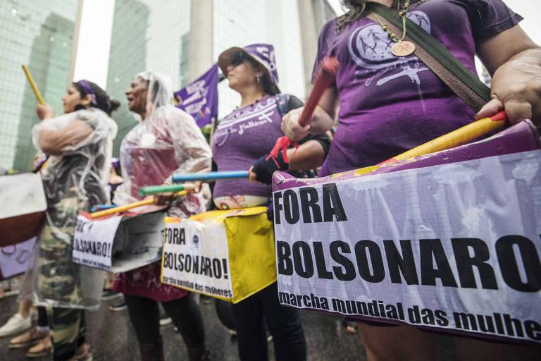 Mulheres protestam contra Bolsonaro na avenida Paulista, no dia internacional da mulher