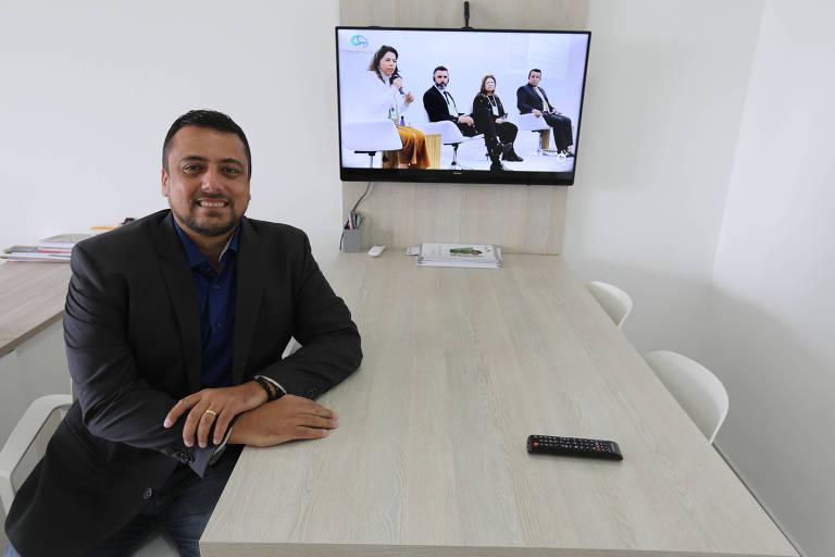 O advogado Roberto Rodrigues, 45 anos, diz que reuniões religiosas são normais em apartamentos, desde que não incomodem os vizinhos