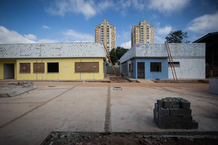 Novos blocos erguidos na Escola Estadual Raul Brasil, em Suzano (Grande SP)