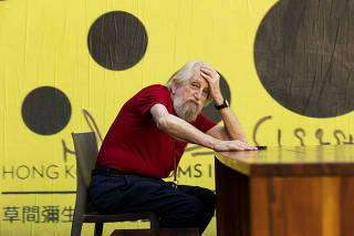 Artista Nelson Lairner na galeria Vermelho