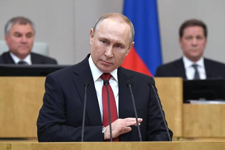 O presidente Vladimir Putin faz discurso ante a Duma, a Câmara baixa do Parlamento russo