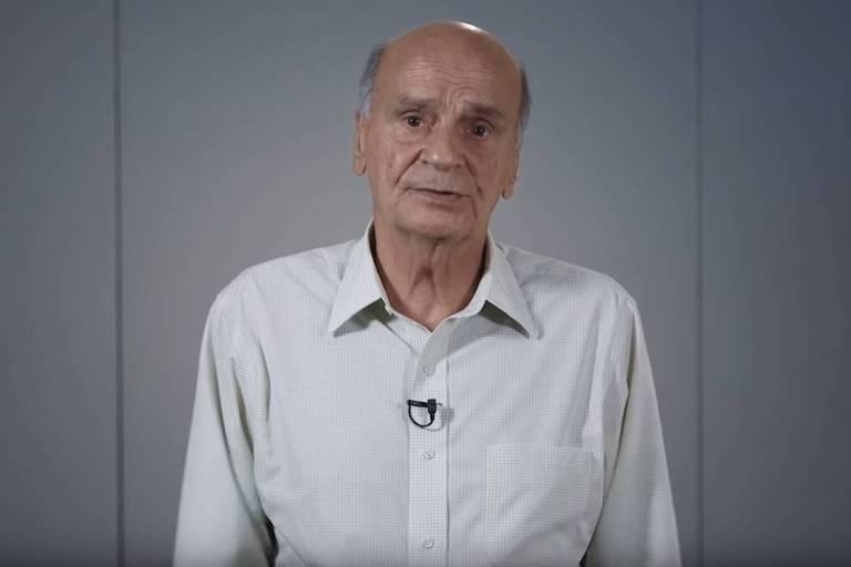 """O médico Drauzio Varella publicou um vídeo nesta terça (10) em seu canal online no qual pede desculpas à família da criança morta pela transexual Suzy, a quem ele entrevistou em reportagem do """"Fantástico"""", da TV Globo, no último dia 1º, e assume a responsabilidade pela repercussão negativa do caso"""