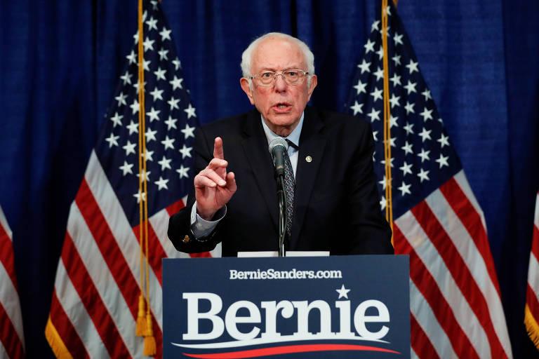 O senador Bernie Sanders nesta quarta (11) em Vermont, durante pronunciamento no qual anunciou que continuará na disputa democrata