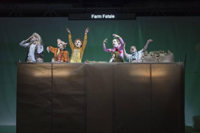 Confira cenas de 'Farm Fatale'