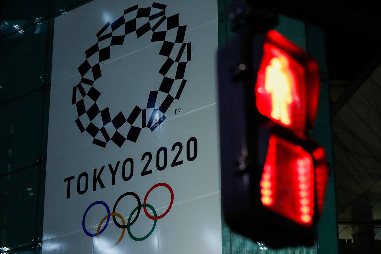 Pôster dos Jogos de Tóquio-2020 em prédio da capital japonesa