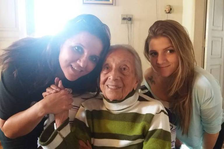 Maria Yolanda Pinto Varella (1920-2020) com a neta Claudia Varella (esq.) e a bisneta Luisa Varella