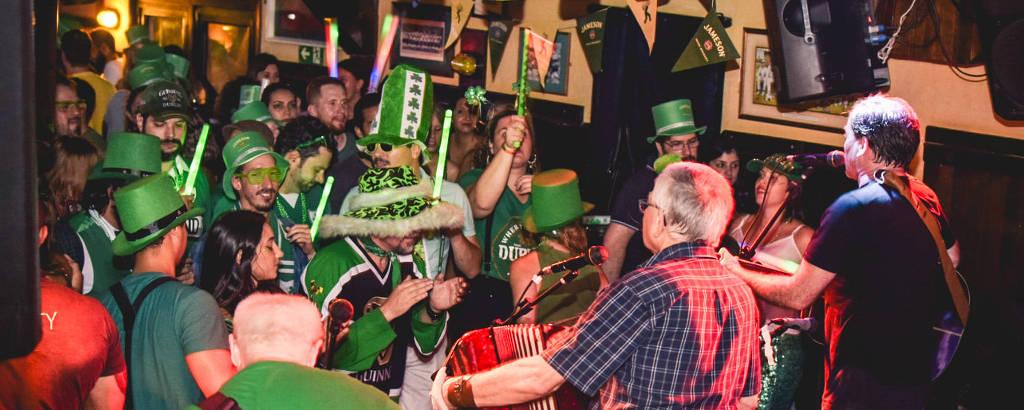 Comemoração do St. Patrick's no O'Malley's em 2019