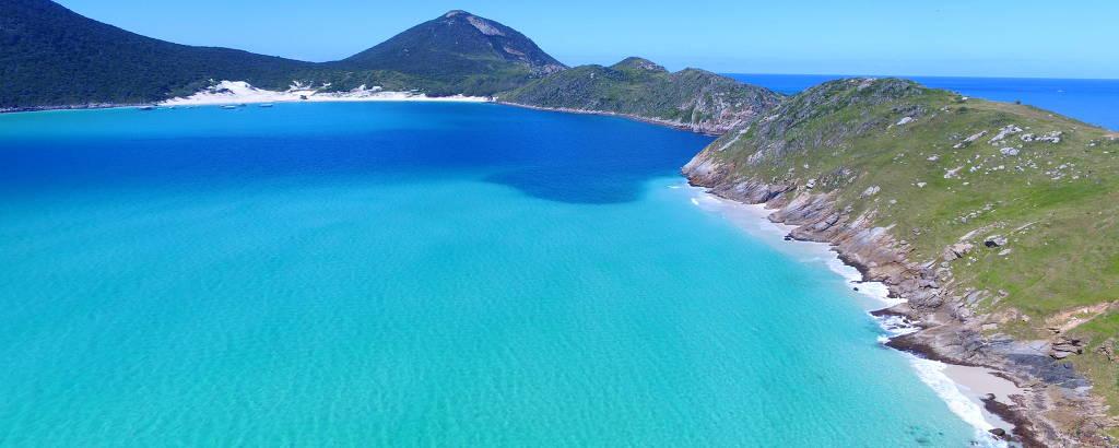 Pontal do Atalaia, na cidade  de Arraial do Cabo, destino de praticantes de mergulho