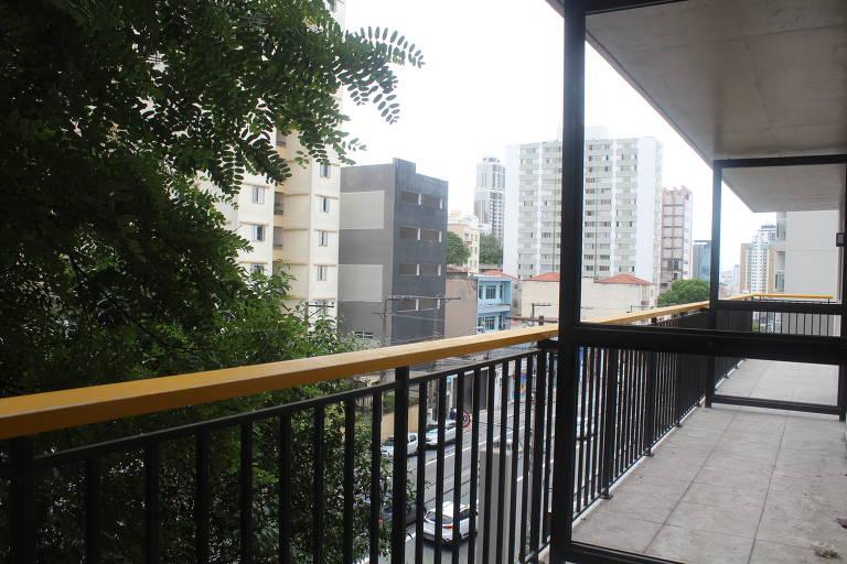 Sacada de um dos apartamentos do empreendimento BK30, da construtora BKO, perto do metrô Santana