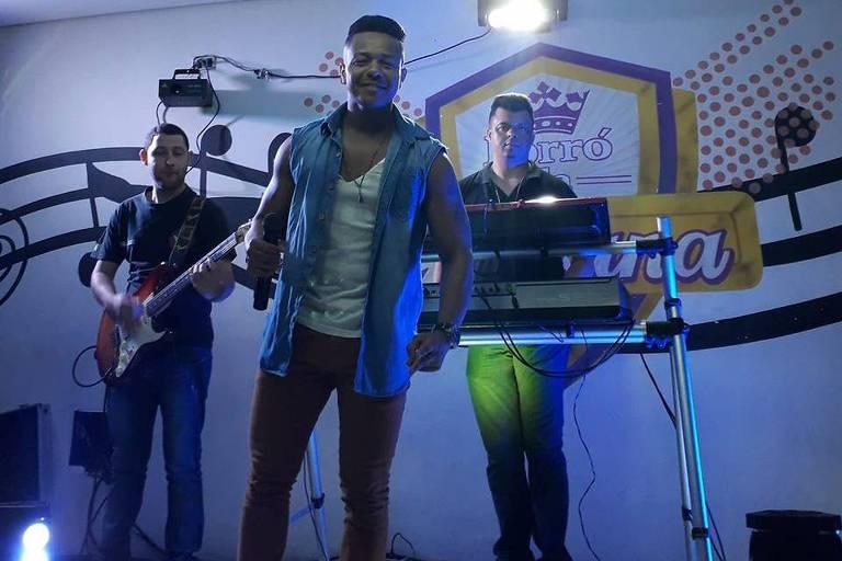 Forró da Juliana é reduto de música nordestina na favela de Paraisópolis
