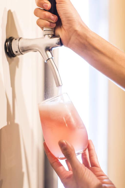 Kombucha alcoólica é uma das atrações do bar Atlântica, na Barra Funda