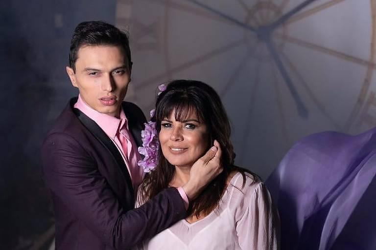 Mara Maravilha com o noivo, Gabriel Torres