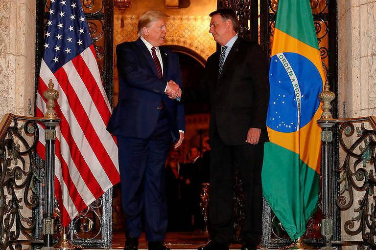 Trump e Bolsonaro no famoso jantar na Flórida em que parte dos convidados pegou o coronavírus