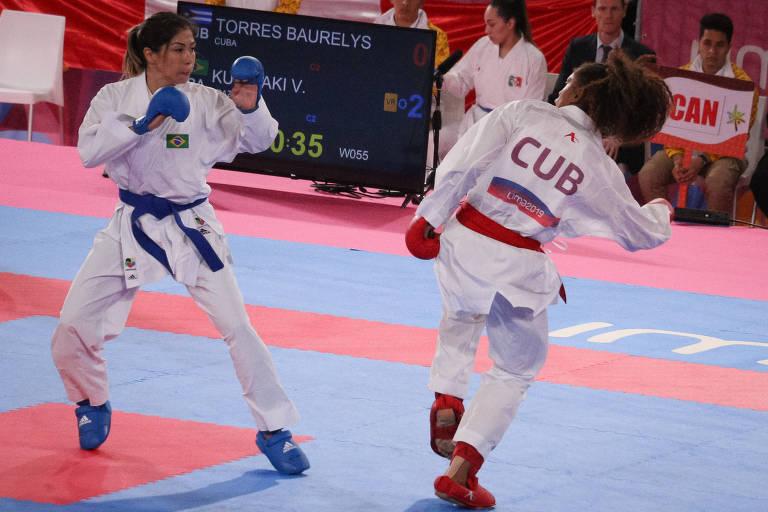 Valéria Kumizaki em luta do Karatê até 55 Kg nos Jogos Pan-Americanos de Lima, em 2019