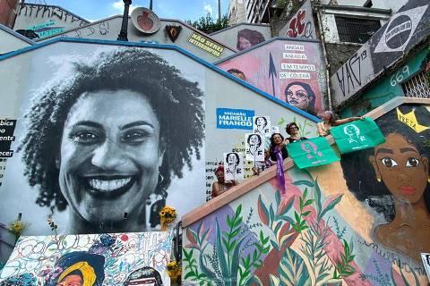 SAO PAULO, SP, BRASIL. 14-03-2020  -  Escadão da rua Cristiano Viana com a rua Cardeal Arcoverde ( Escadão da Marielle Franco) feito por um coletivo de artistas plasticos e grafiteiros (Foto: Marlene Bergamo/Folhapress)