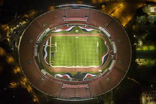 Sao Paulo   o Santos  jogam no Estadio do Morumbi sem a presenca do publico depois de decisao da federacao paulista de futebol, em meio a preocupacao com a pandemia de coronavirus.