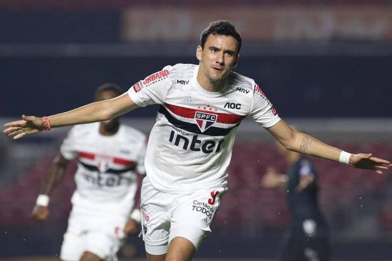 O atacante Pablo comemora gol no duelo entre Santos e São Paulo, pela 10ª rodada do Campeonato Paulista