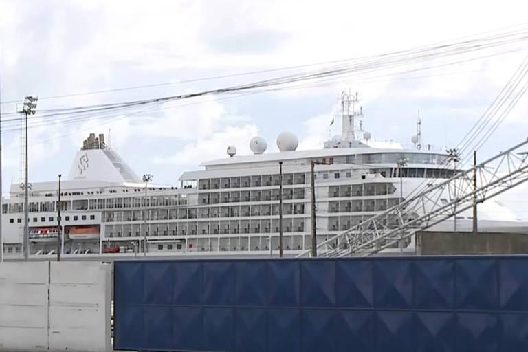 Contra coronavírus, governo quer que países retirem turistas em cruzeiro no Recife