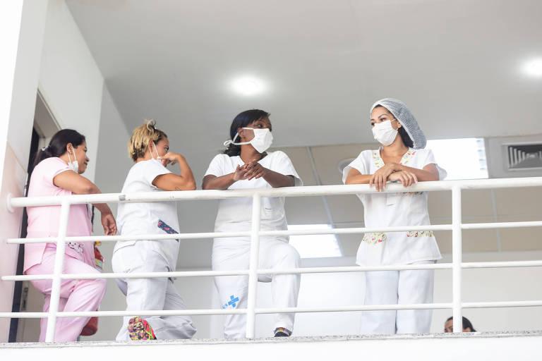 Funcionárias do Hospital Municipal Miguel Couto, no Leblon, no Rio