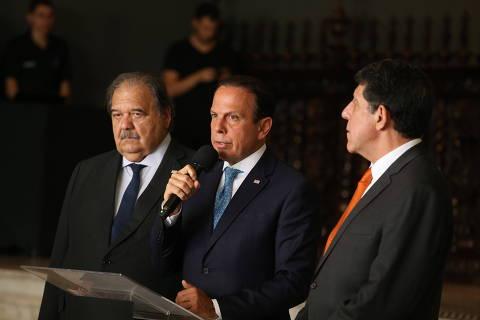 Mandetta adianta recursos e repassa R$ 333 milhões a Doria para coronavírus