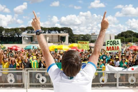 Psicanalistas veem Bolsonaro com atitude paranoica e onipotente diante da pandemia