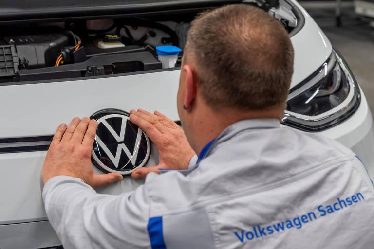 Volkswagen fecha todas as fábricas na Europa por causa do coronavírus