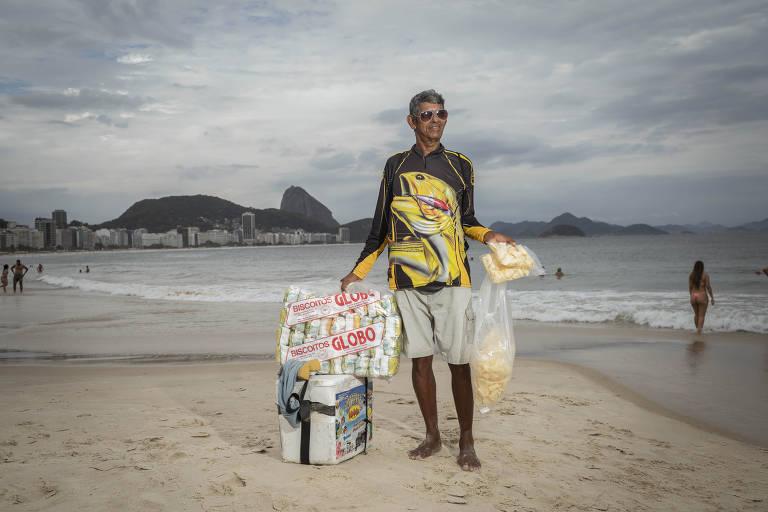 Coronavírus afeta movimento de ambulantes em Copacabana