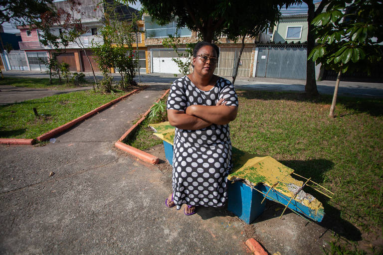 A atendente Luana de França Emídio Nazaré, 34 anos, da Vila Silvia, na zona leste, afirma que a praça é movimentada e necessita de zeladoria