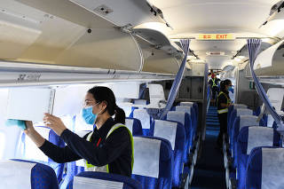 CHINA-HAINAN-HAIKOU-AIRPLANES-FEMALE MAINTENANCE ENGINEERS (CN)