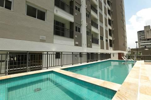 As piscinas do empreendimento Viva Cittá, entregue pela Tegra no ano passado, na Liberdade