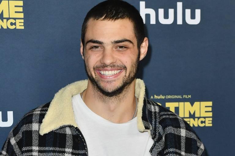 "Noah Centineo na premiere do filme Hulu's ""Big Time Adolescence"""