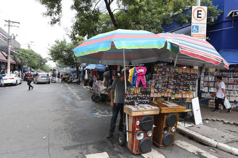 Auxílio de R$ 600 tira temporariamente 72% da extrema pobreza, diz ministério