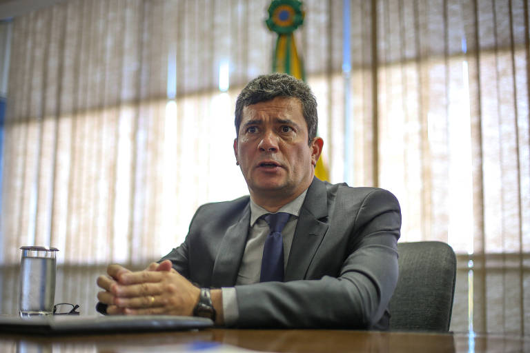 O ministro da Justiça, Sergio Moro, durante entrevista à Folha em seu gabinete